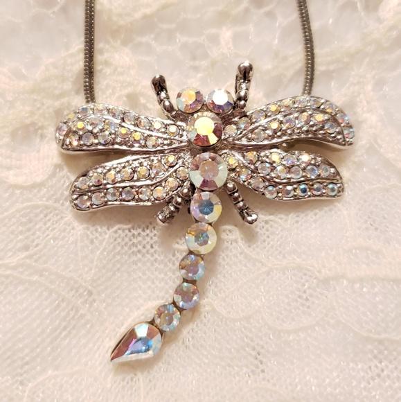 Jewelry - BEAUTIFUL Dragonfly Necklace Aurora Borealis